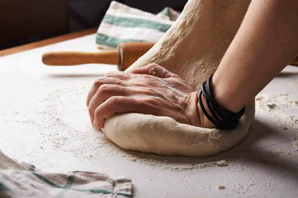 can dogs eat pizza dough